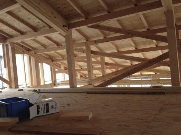 上棟直後の屋根裏