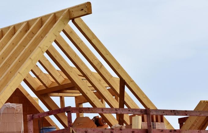 屋根にも色々_roof-truss-3339206_1920
