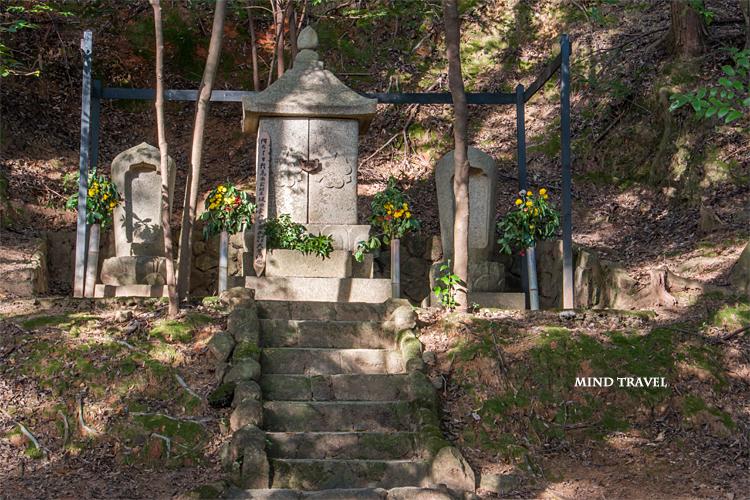 満願寺 坂田金時の墓