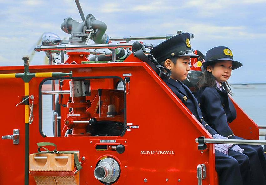 大阪市消防出初式 子供の消防士さん