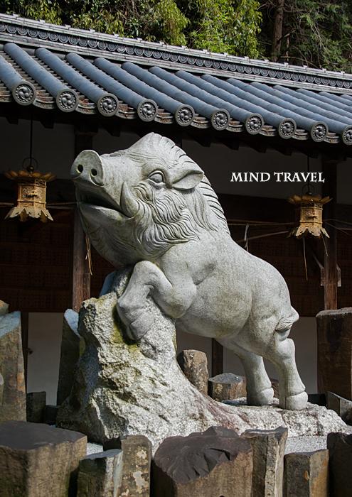 馬見岡綿向神社-猪像
