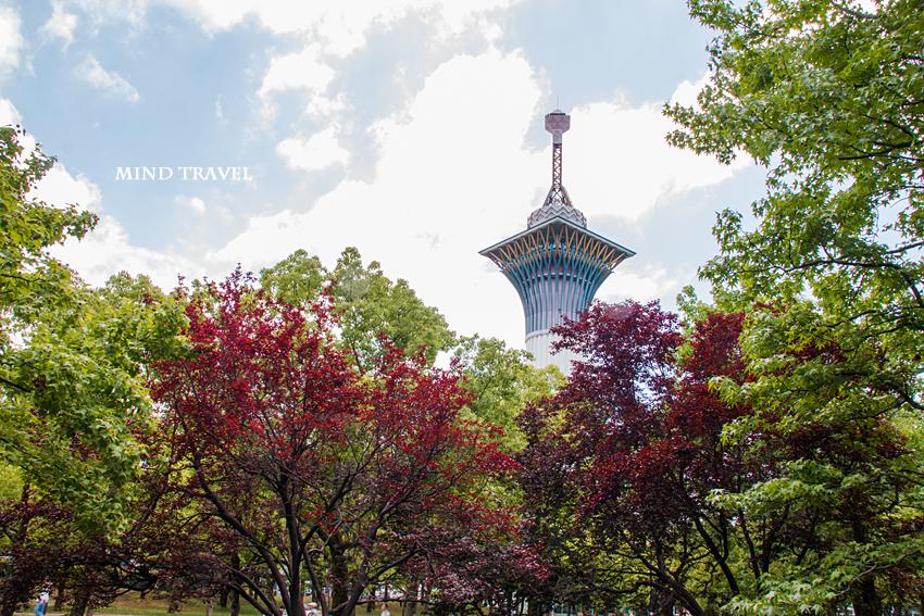鶴見緑地公園 命の塔