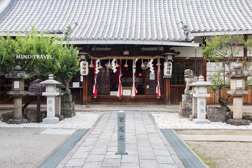 片埜神社 拝殿