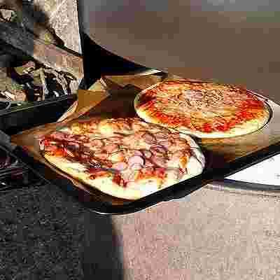 ピザを焼く