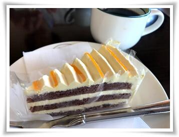 ケーキは200円