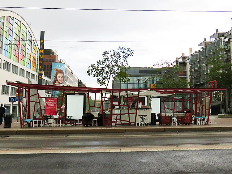 フィンランド ヘルシンキ Kamppi Frederikinkatu トラム デザイン停留所
