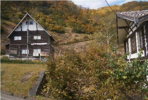 04e 500 関ski school hut