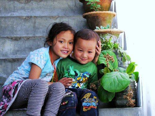 03a 500 Bhutan kids