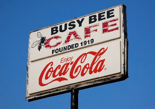09b 500 busy bee cafe board