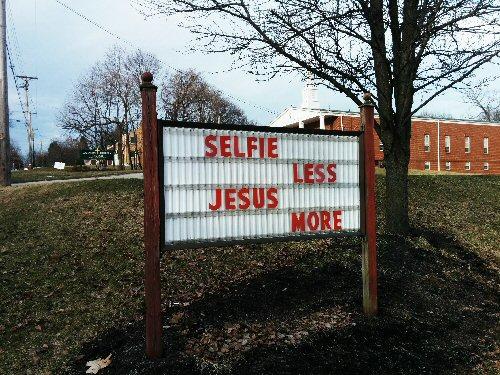 04b 500 selfie less jesus more