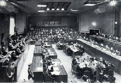 03b 500 東京裁判法廷