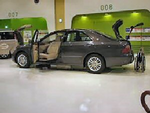 03b 300 UD car toyota