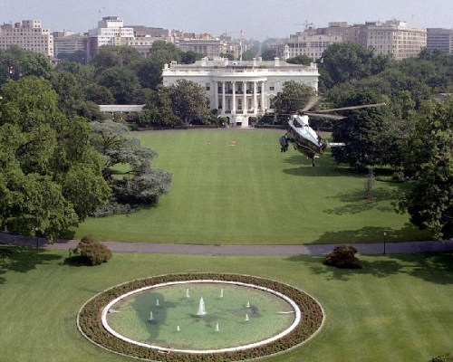 03ad 600 marine one white house
