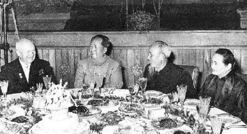 01b 600 Khrushchev Mao Ho