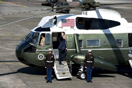 01b 600 Trump Marine One