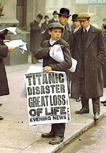 09d 500 Titanic newsboy