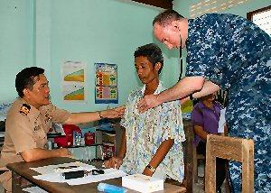 04b 300 US Navy physician