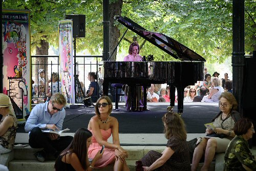 03d 500 street piano