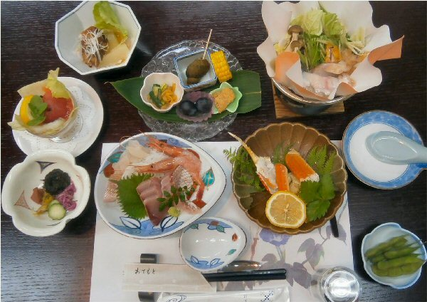 01d 600 20190811 宴会 01 First dishes