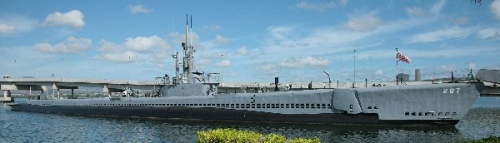 02c 600 1920px-USS_Bowmin_submarine