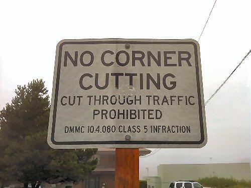 01a 500 traffic sign no corner cutting