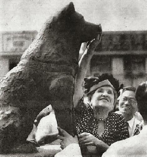 03e 500 Helen Keller Hachiko 1948