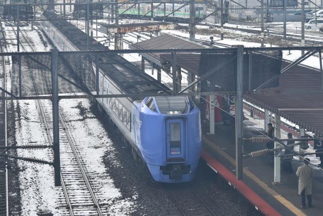苫小牧駅201811220001