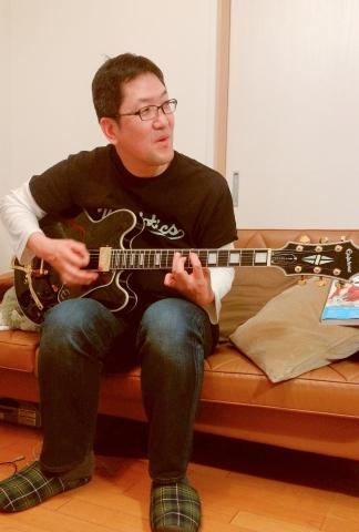テラ ギター04