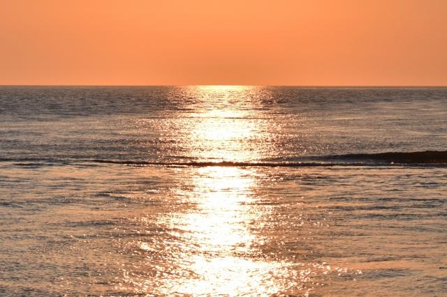 日本海の夕陽201905040002