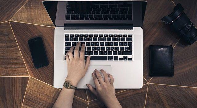 ブログで稼ぎたいならサービスの違いと目的別の作り方を学ぶべき