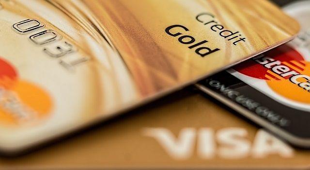 ポイントサイトでクレジットカード発行を比較|一番稼げるのはモッピー