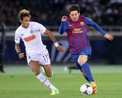 Neymar Jr (Santos FC) and Messi (FC Barcelona)
