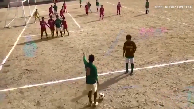 A Japanese High School Student recreated ToniKroos free kick brilliantly