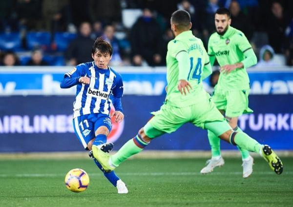 Inui takashi debut for Alaves