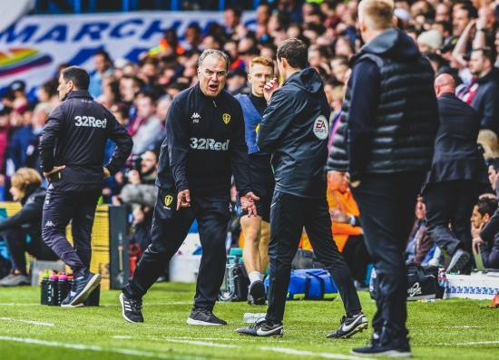 After a controversial goal from his Leeds team, manager Marcelo Bielsa ordered his players to let Aston Villa score an equaliser