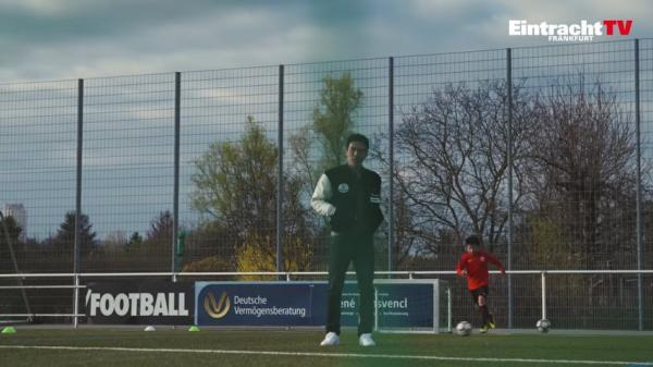 Makoto Hasebes Fußballschule in Frankfurt