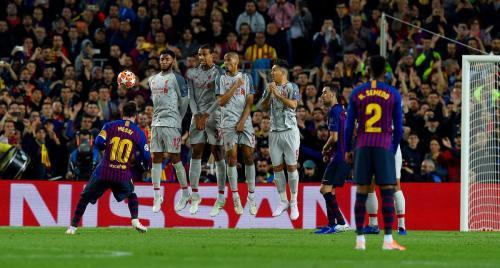 Barcelona 3-0 Liverpool Messi freekick goal