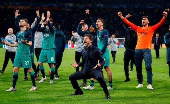 Reasons to love Poch he takes the lead in the post-match haka