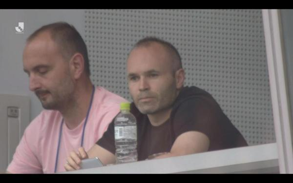 iniesta watching vissel kobe thrashed in yokohama