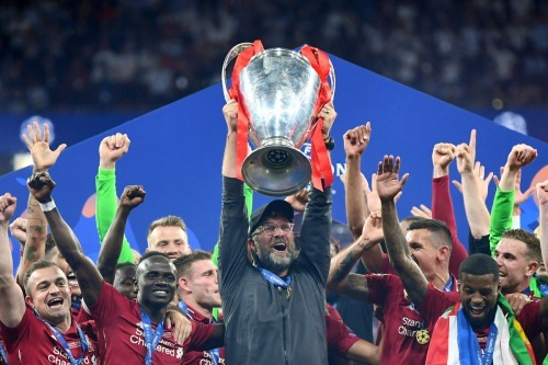 Jurgen Klopp gets his first trophy with Liverpool