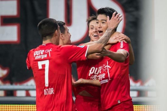 Twente [1]-0 PSV Keito Nakamura goal