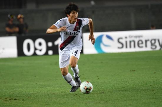 Tomiyasu vs Hellas Verona serie a debut