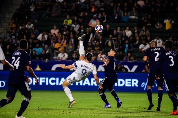 Zlatan-Ibrahimovic-scores-stunning-bicycle-kick-prevent-LA-Galaxy-going-defeat.jpg