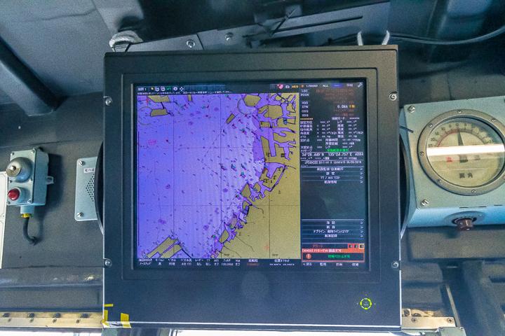 ASE-6102 試験艦あすか ブリッジ内AIS(船舶自動識別装置)?