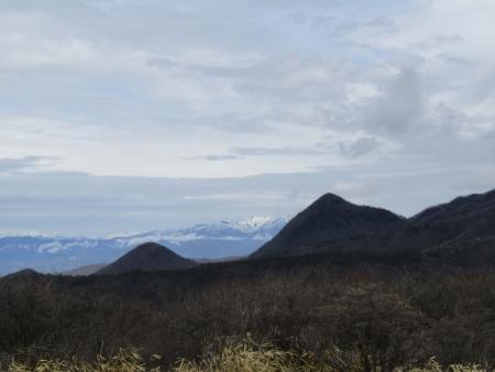 190501鍋割山~荒山 (17)鈴ヶ岳・武尊山s