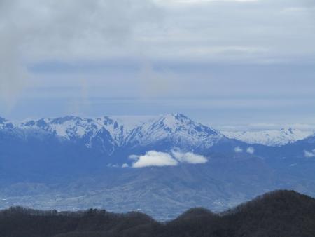 190501鍋割山~荒山 (18)谷川岳s