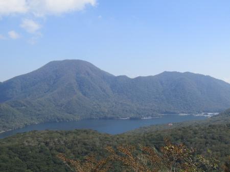191002地蔵岳~鈴ヶ岳 (46)黒檜山~駒ヶ岳・大沼s