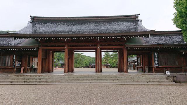 jinn32.jpg