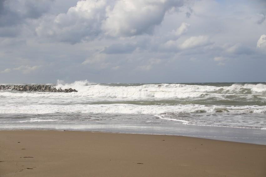 日本海大荒れの日に