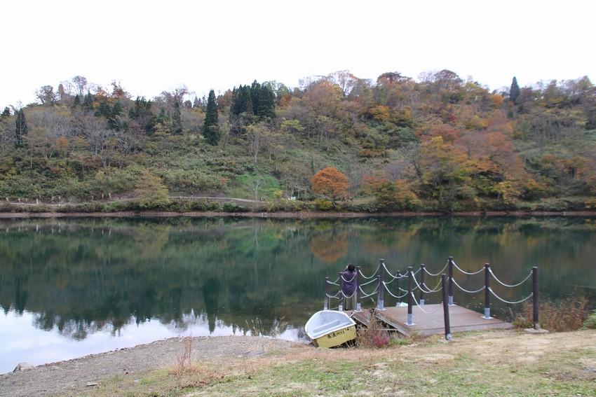 高浪の池にて紅葉狩り